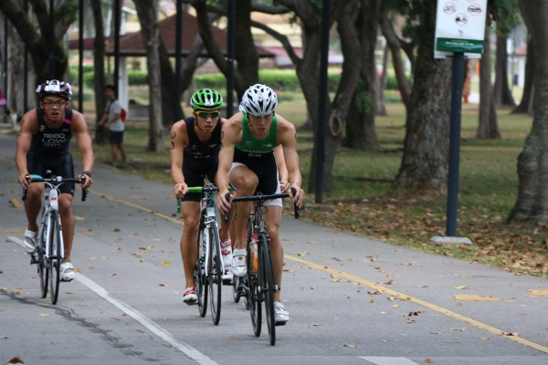 The cycling leg at the SEA GAMES triathlon trials. Photo: Nicholas Fang.