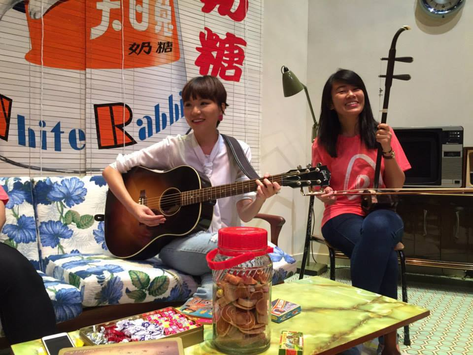 Zhi Wen jamming with singer-songwriter Ng Ling Kai.