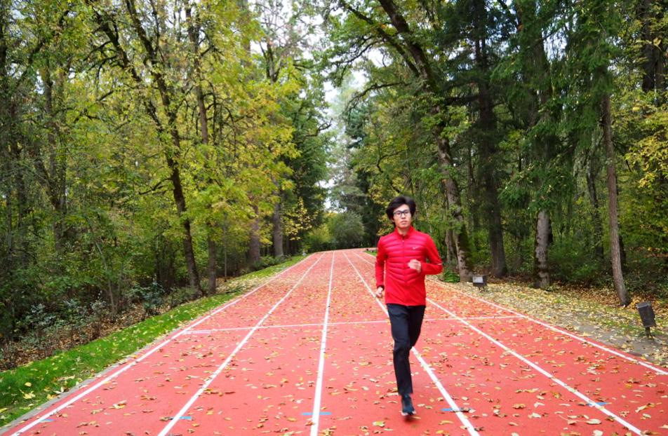 Soh Rui Yong trains on the track in Oregon. Photo by Pam Chia.