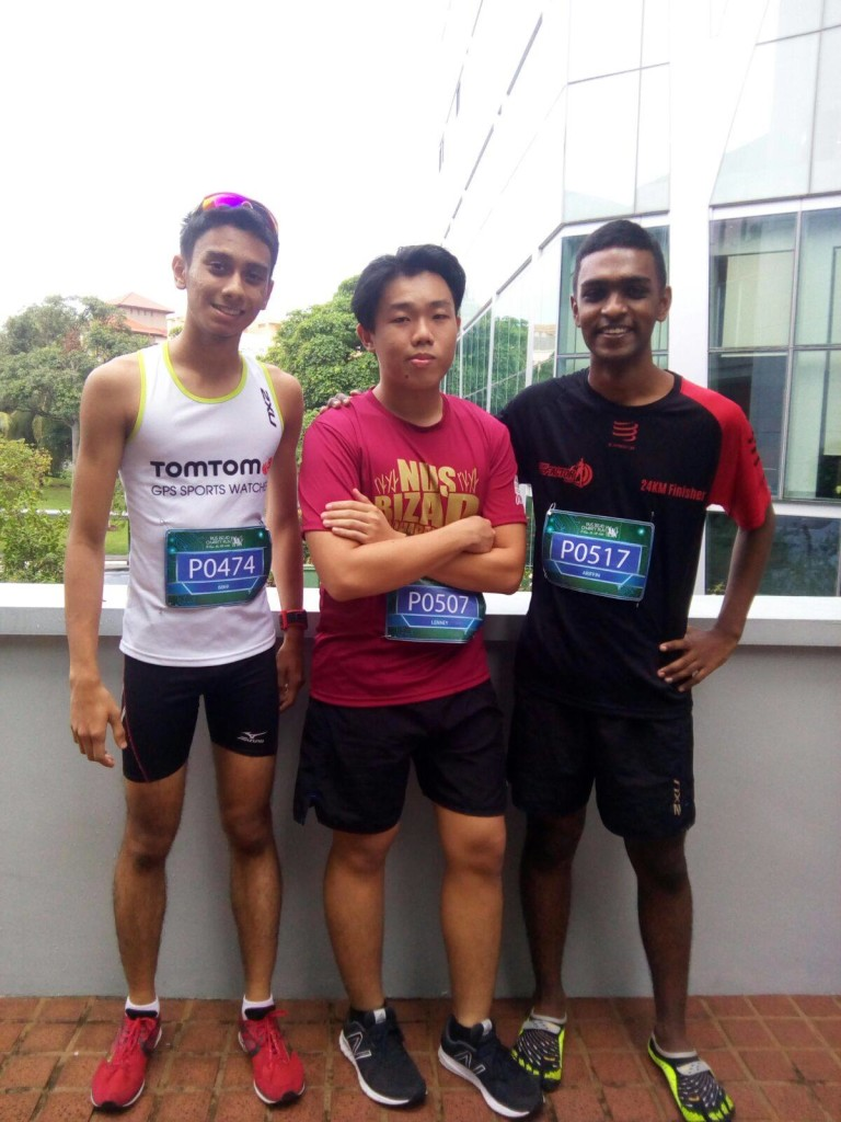 Ariffin (right) and his kakis at the race.