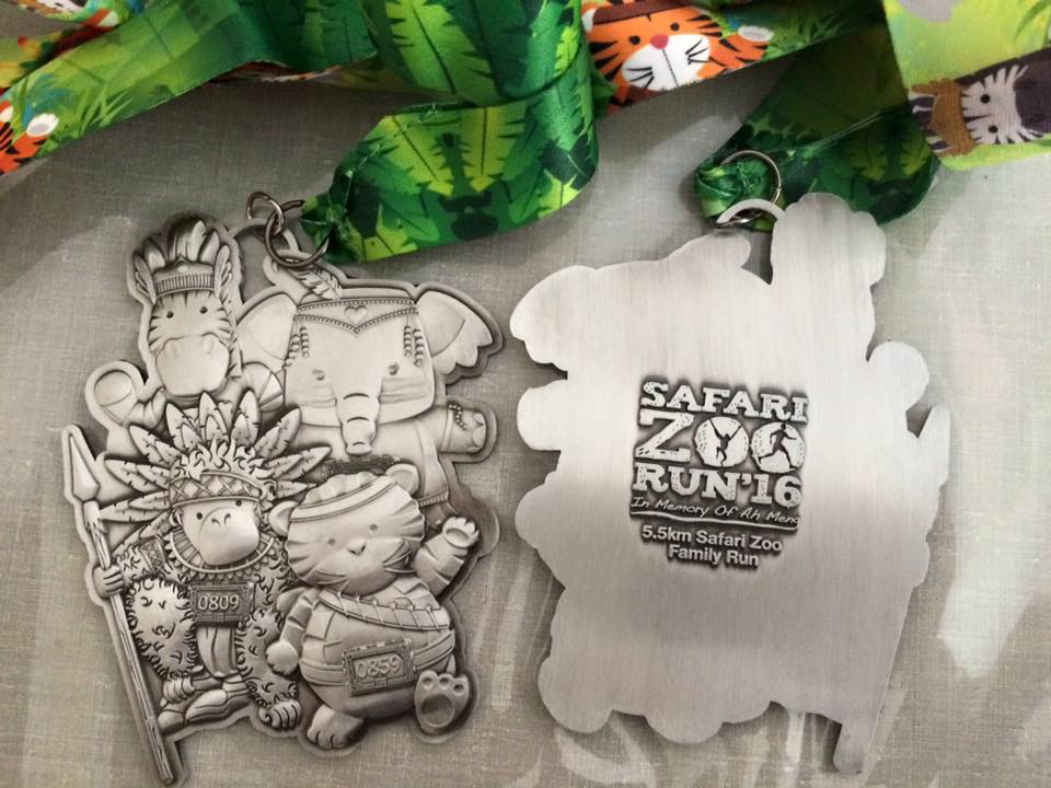 The medals are very cute. [Photo credit to Kenny Mok]