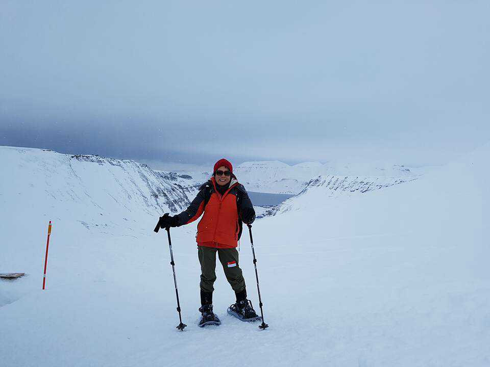 While waiting to head to the North Pole for the marathon, Gloria did some hiking at Lars Glacier Svalbard.