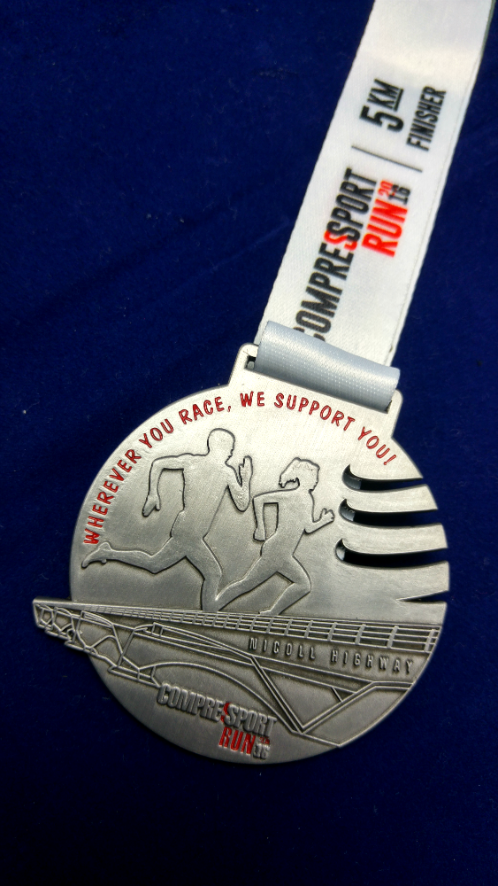 Runners received a medal and an isotonic drink upon finishing the run.