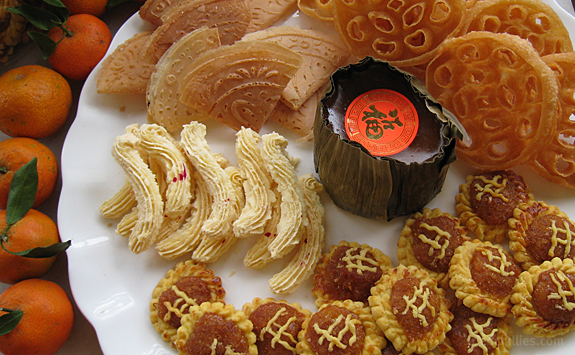 It is hard to resist Chinese New Year cookies every festive season. Photo: econsgenius.blogspot.com