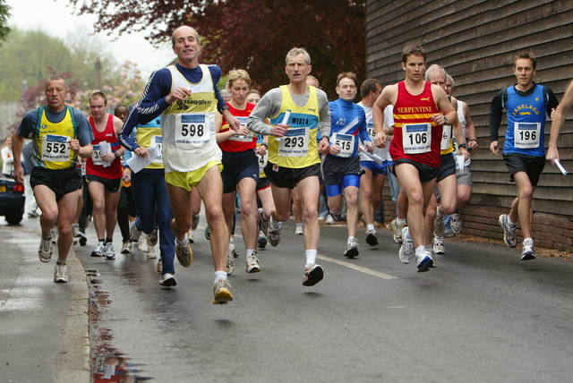 Stick to your planned strategy during the race and don't let others influence you. Photo by www.runningforfitness.org6