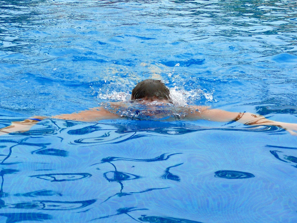 Non weight bearing exercises such as swimming is good in the rehabilitation of knee osteoarthritis. [Photo by Anna Cervova]