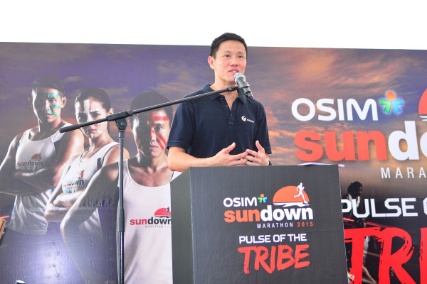 Adrian Mok ,Managing Director of HiVelocity Events, the owner and organiser of Sundown Marathon, giving a speech at the official launch of OSIM Sundown Marathon 2015 at VivoCity on Saturday Morning. (Photo Credit: OSIM Sundown Marathon)