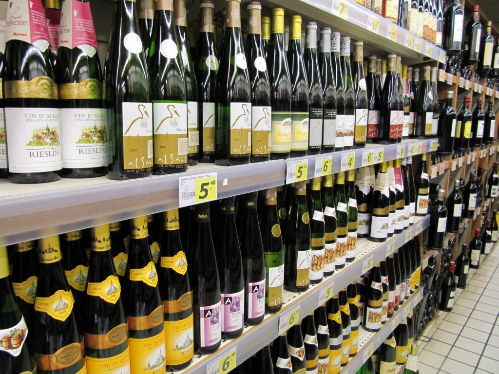How do you decide what wines to choose at a supermarket? Photo by: commons.wikimedia.org