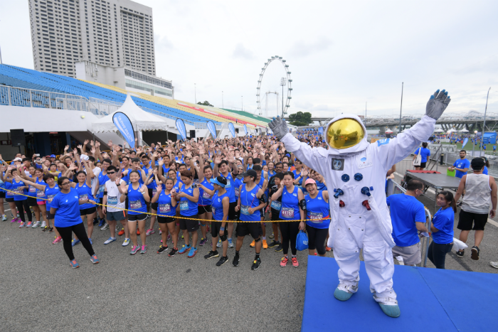 To tie in with the Run to the Moon theme, an astronaut makes a guest appearance.