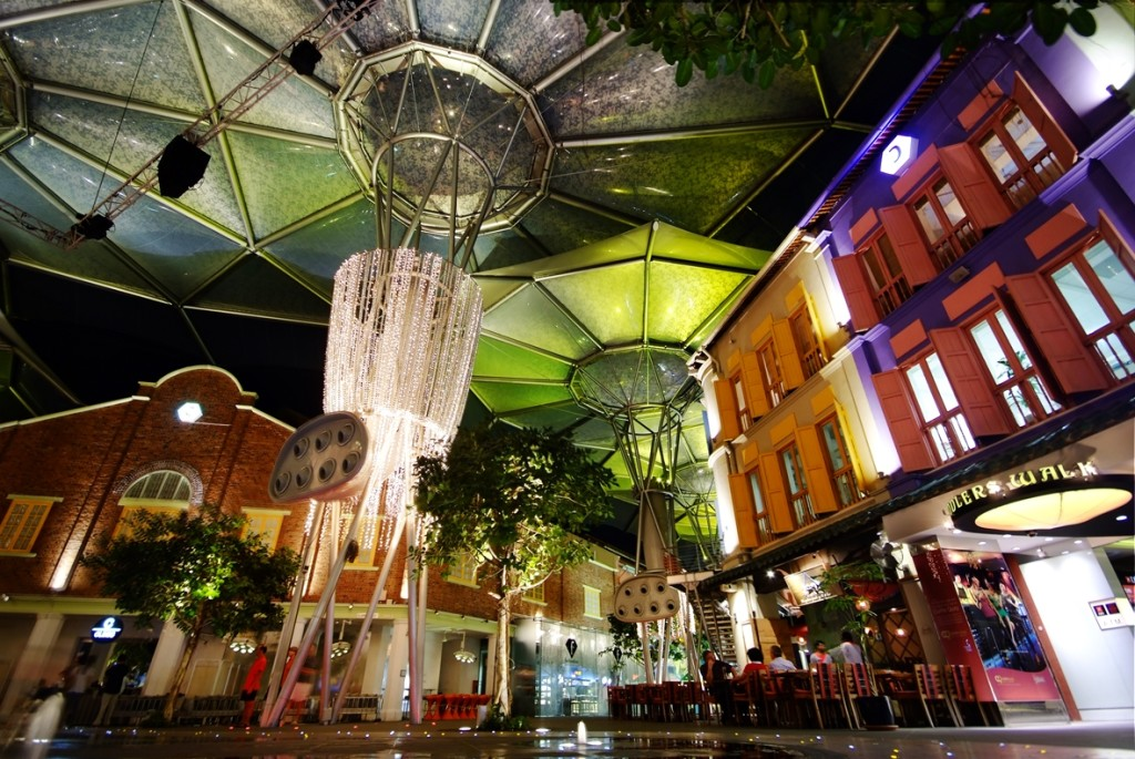 Clarke Quay has been chosen as the official after-party venue. [Photo by commons.wikimedia.org]