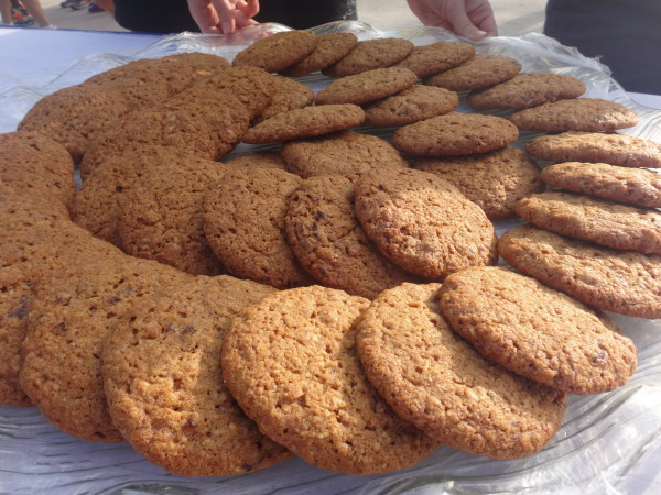 Ginger cookies are available at the finishing line for the runners to replenish their energy.