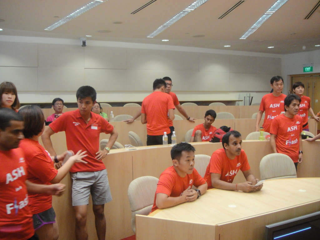 Liew chatting to other runners.