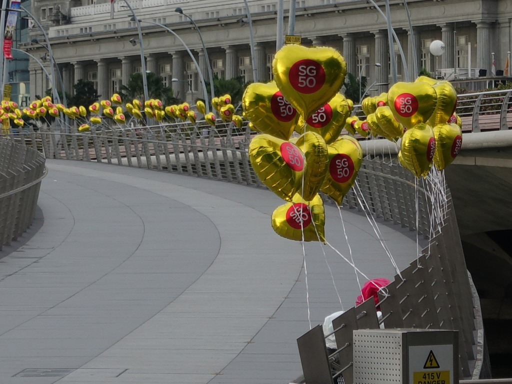 The SG50 balloons lining the Jubilee Bridge was a sight to behold.