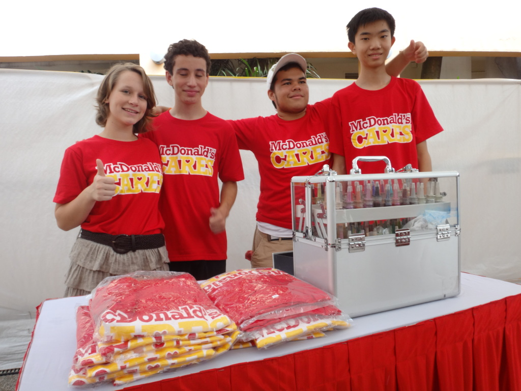 RMHC volunteers from the Singapore American School.