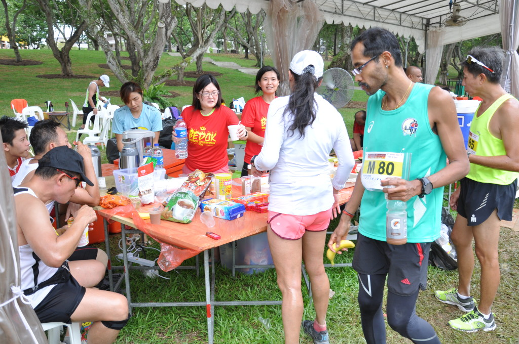 Runners help themselves to the f&b available.