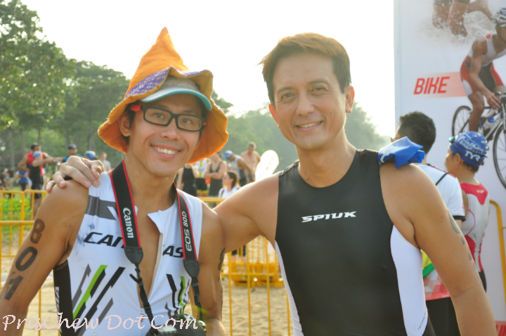 Ah Siao (left) is one of Singapore's running celebrities.