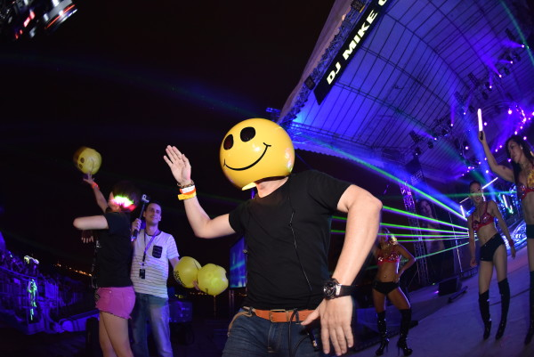 DJ Mike Candys was the highlight of the party! Credit: Sentosa.
