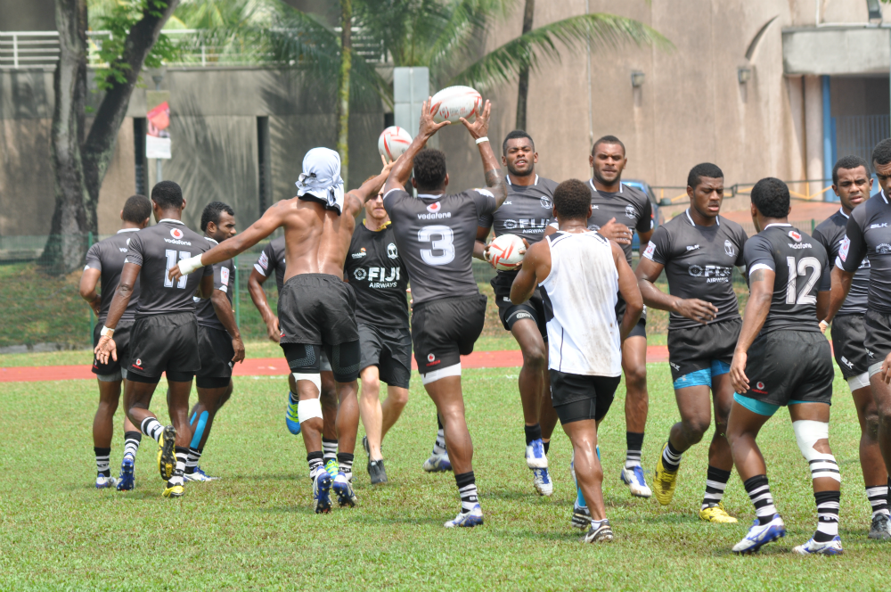 Fiji Sevens Team going through the paces.