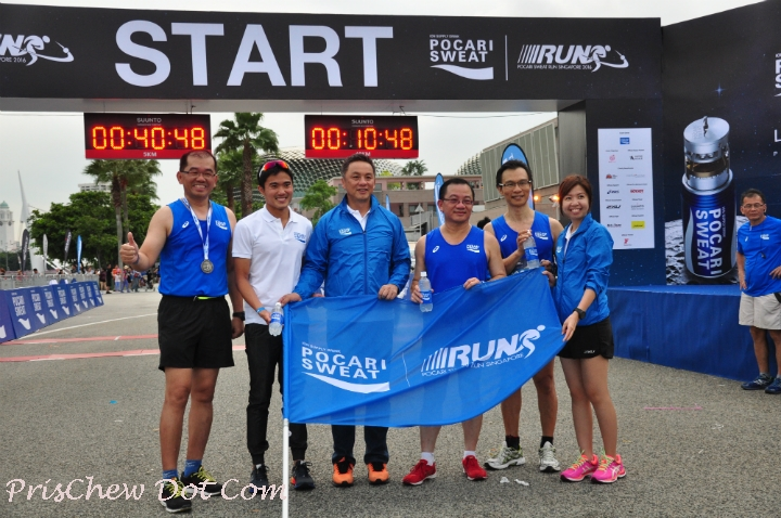 Mok (2nd from left) feels that running with a club helps.