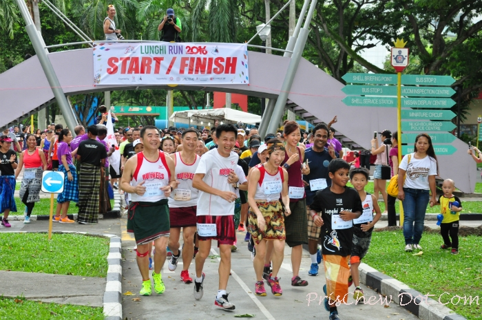 Runners flag off.