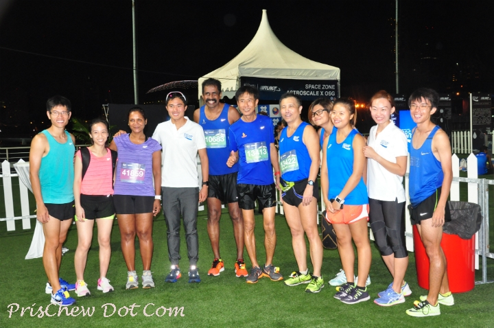 Mok (3rd from left) and runners at the Pocari Sweat Run this year.