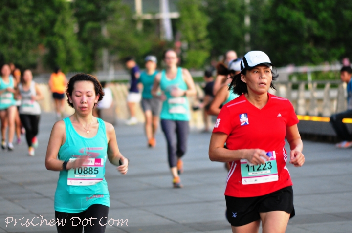 A nice run amongst other girls at Marina Bay.