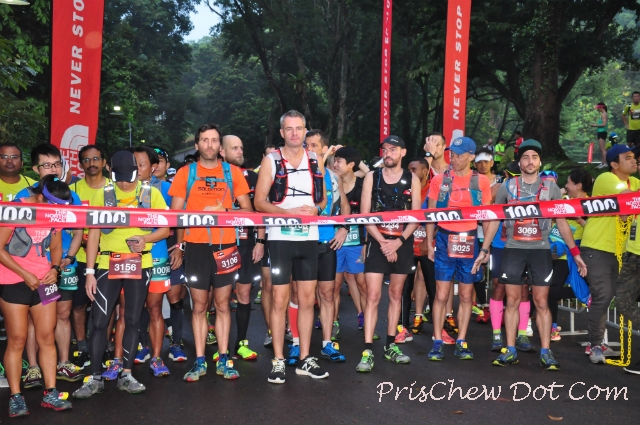 Runners at the start line.