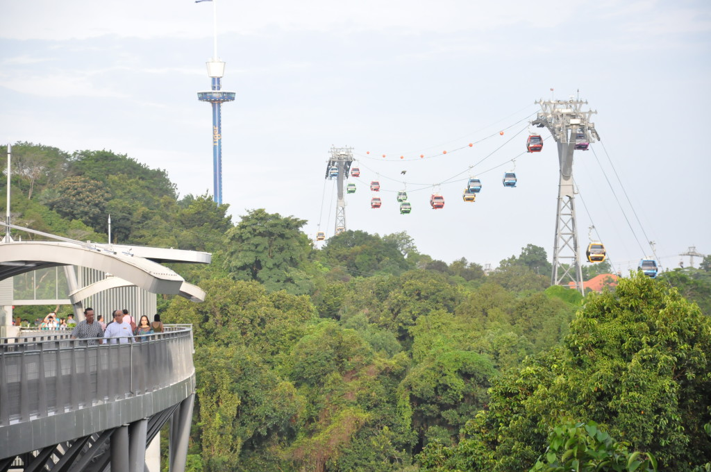 Spectacular view of the Sentosa Cable Car Line atop the Fort Soloso SkyWalk