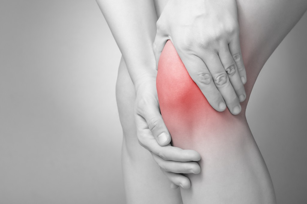 Knee pains are due to misalignment issues. [Photo from chronicpainblog.com]