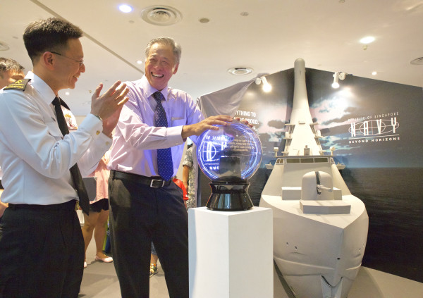 Minister for Defence Dr Ng Eng Hen (R) and Chief Of Navy, Rear-Admiral Lai Chung Han (L) at the launch of the Navy's LMV naming competition (Photo credit: Republic of Singapore Navy)