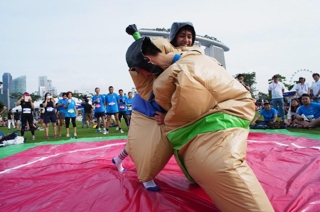 Sumo wrestling at the race village! Credit: Mizuno Ekiden 2015