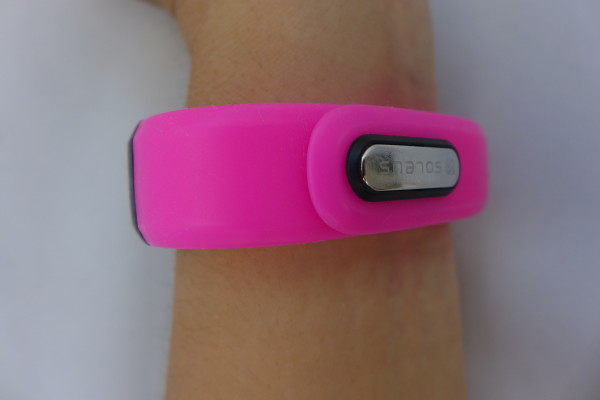It's actually not that difficult to clip the Soleus GO! activity tracker on your wrist.