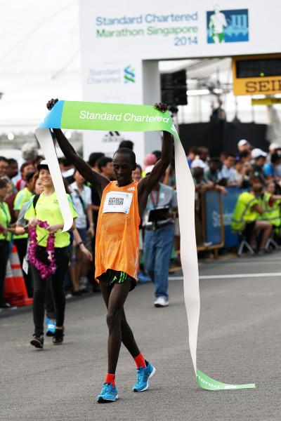 Kenya's Kenneth Mungara takes the Men's Open Full Marathon title. (Credit: Standard Chartered Marathon Singapore 2014)
