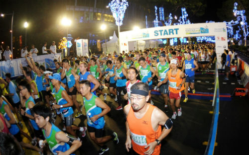 Train for a marathon... the right way. (Picture courtesy of Standard Chartered Marathon 2011).