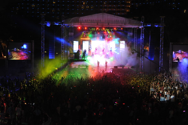 It was a spectacular celebration at the Siloso Beach Party last night! Credit: Sentosa