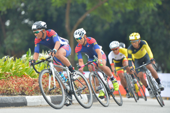 Team Philippines in action during the finals of the OCBC Cycle Southeast Asia Speedway Championship at Singapore Sports Hub. (Photo Credit: OCBC Cycle)