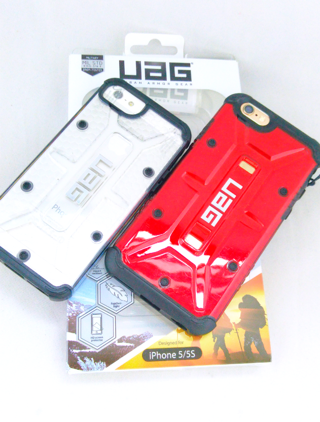I received these two smartphone cases from UAG.