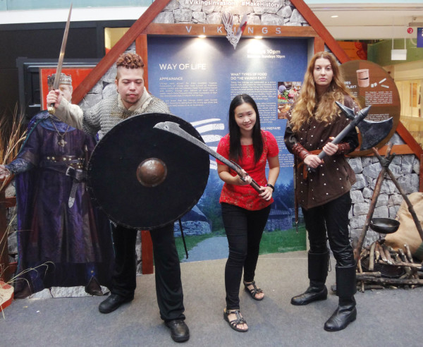 I couldn't pass the opportunity to take a photo with these Viking warriors!