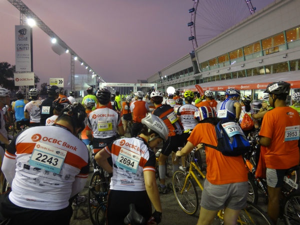 Practise safety precautions when taking part in a mass cycling event.