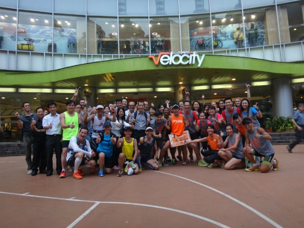 Runners and representatives from the Bone Marrow Donor Programme, waiting for Ah Siao with eager anticipation.