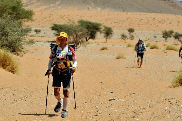 Ian makes his way across the desert.