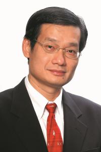 Orthopaedic surgeon Dr Tho.