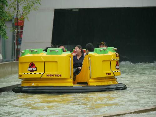 Jurassic Park Rapids vessel. (Taken from themeparkreview.com)