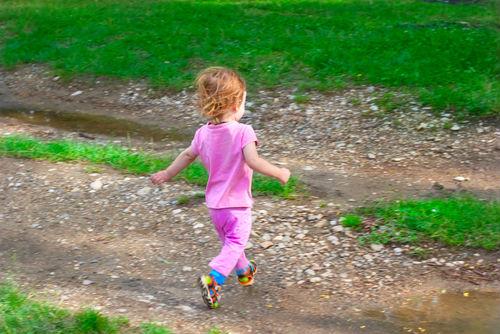Notice how little kids run? (Image from http://www.kveller.com)