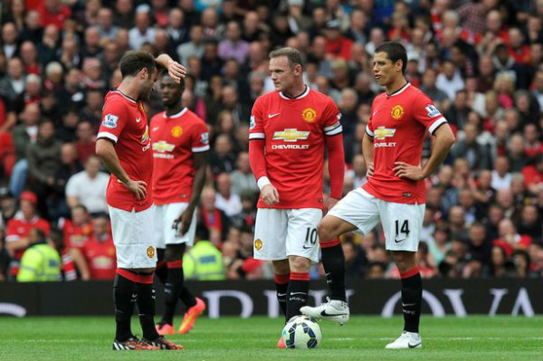 A clueless and lacklustre Man U team lose to Swansea on the BPL season's opening day. (Image: atomicsoda.com)