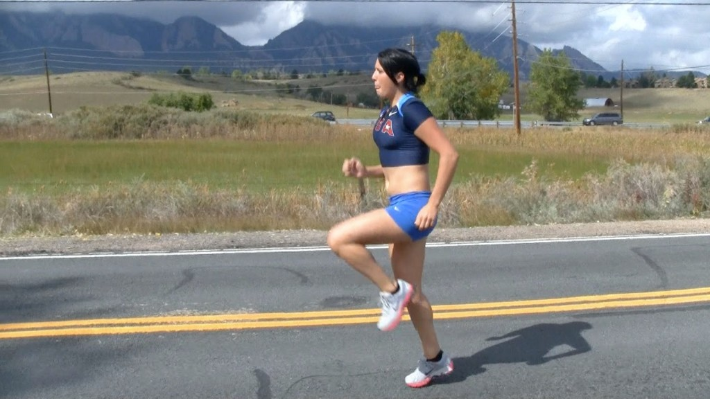 Posture is also important for runners. [Photo from www.youtube.com]
