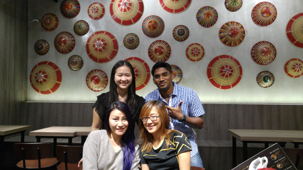 I was invited to a food tasting session at Face To Face Noodle House with three of my friends.