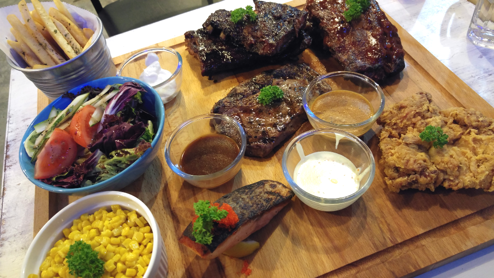 We tried a variety of meats at Meat n' Chill.