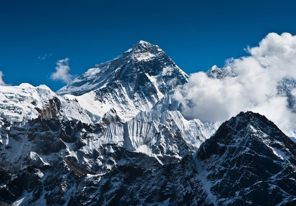 Come 2017, Jeremy Tong will attempt to scale Mt Everest. Photo by: bubblyprofessor.com