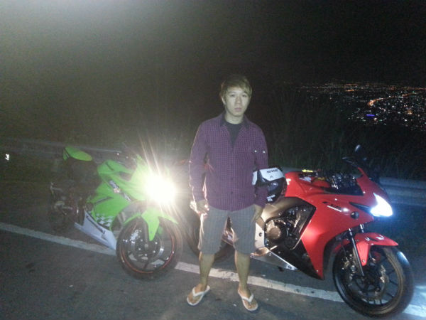 Living the wild lifestyle, night-riding in the mountains of Thailand. (Picture courtesy of Rio Lim).
